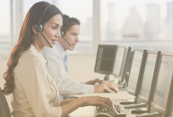 Customer service reps using call center speech analytics