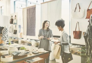 Retailers can benefit from contemporary communication technology.