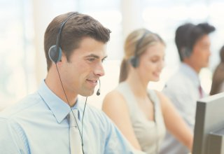 Contact center representatives take calls and ask themselves: SIP trunking vs. PRI?